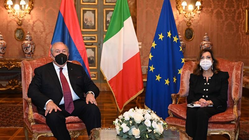 Շահագրգռված ենք առավել սերտ կապեր տեսնել երկու երկրների խորհրդարանների միջև. Արմեն Սարգսյանը հանդիպել է Իտալիայի Սենատի նախագահի հետ (տեսանյութ)