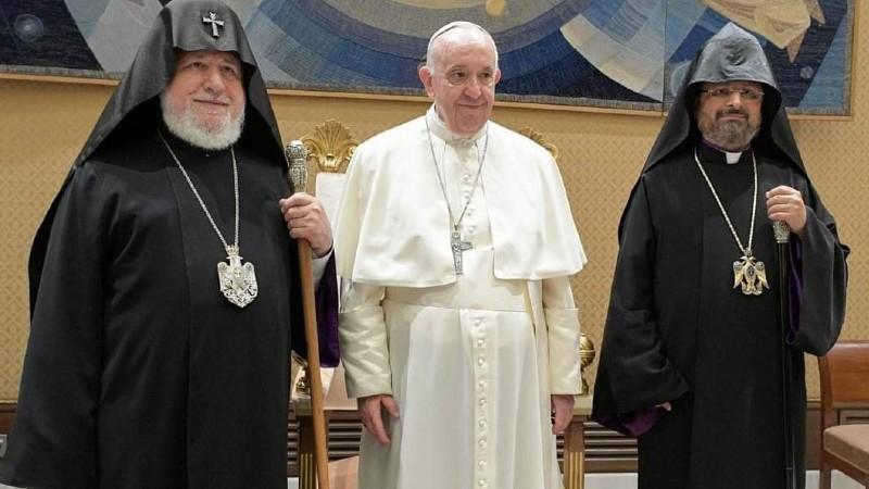 Ամենայն Հայոց Կաթողիկոսը Վատիկանում  հանդիպել է Ֆրանցիսկոս Պապին