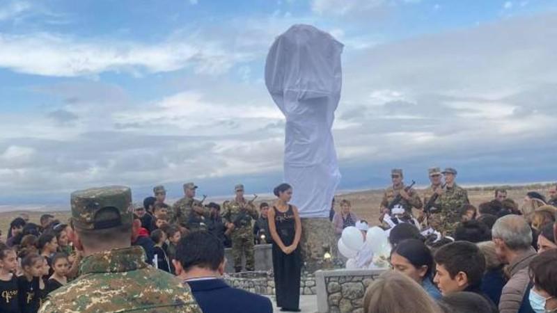 Արգինա գյուղում Արցախյան 44-օրյա պատերազմի հերոսներին նվիրված հուշաղբյուր է կանգնեցվել