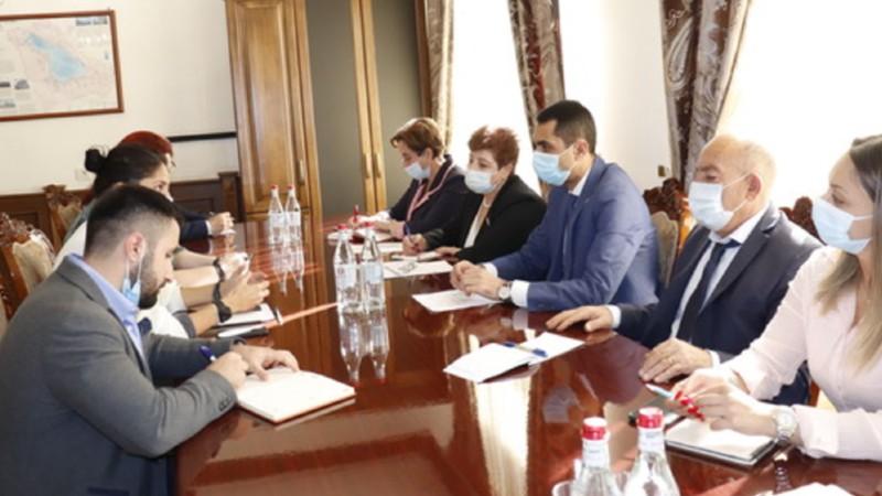 Գեղարքունիքի մարզպետ Կարեն Սարգսյանն ընդունել է  Կարմիր խաչի միջազգային կոմիտեի ներկայացուցիչներին