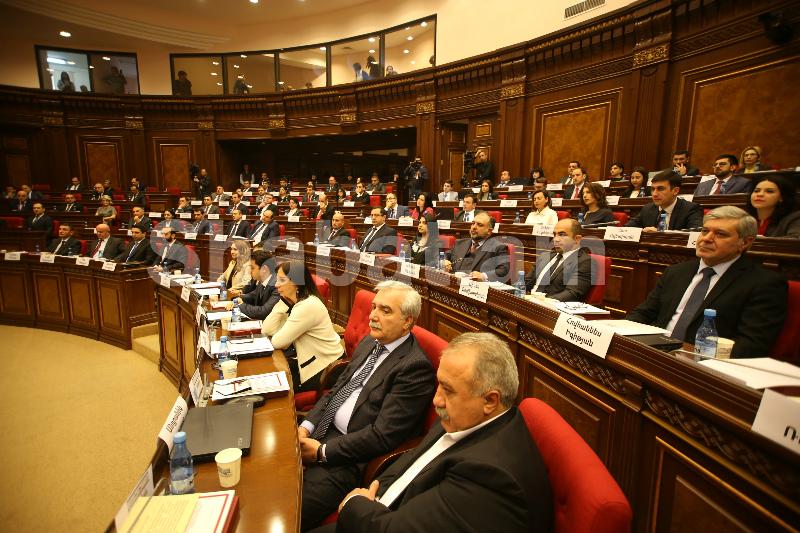 Շարունակվում է ԱԺ լիագումար նիստը