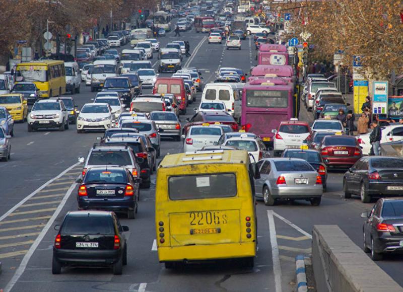Ավտոբուսների և միկրոավտոբուսների վարորդները այսօր պետք է բողոքի ակցիա իրականացնեին, սակայն Երևանի քաղաքապետարանն այն կանխել է. «Ժողովուրդ»