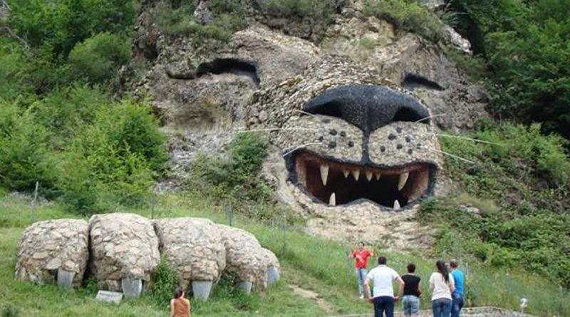 Կառավարությունը Հայաստանում զբոսաշրջությունը զարգացնելու համար աշխատանքներ է կատարում տարբեր ուղղություններով