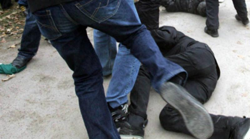 Լոռու մարզում մի քանի անձինք հարձակվել և ձեռքերով ու ոտքերով բազմաթիվ հարվածներ հասցնելով սպանել են 39 -ամյա բնակչին․ սպանությունը բացահայտվել է