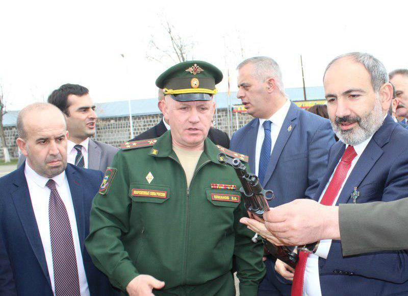 Նիկոլ Փաշինյանն այցելել է Գյումրիի ռուսական ռազմաբազա