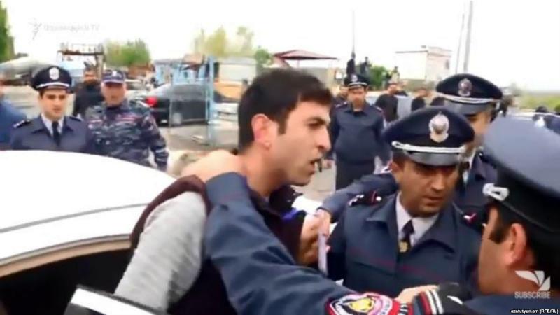 ՀՀ ոստիկանության Կոտայքի բաժնի պետին մեղադրանք է առաջադրվել լրագրողի մասնագիտական օրինական գործունեությանը խոչընդոտելու համար