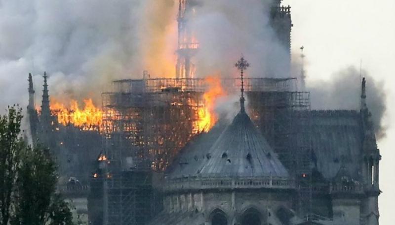 Բեռնար Առնոյի ընտանիքը հայտարարել է Փարիզի Աստվածամոր տաճարի վերականգնման համար 200 մլն եվրո նվիրաբերելու մասին