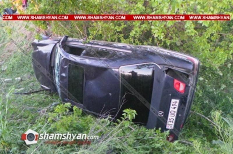 Արմավիրի մարզում Mercedes-ը տապալել է մի քանի ծառ ու կողաշրջված վիճակում հայտնվել առվի մեջ