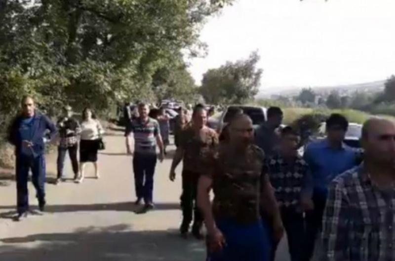 Ազատամուտ գյուղի բնակիչները պահանջում են գյուղապետի հրաժարականը