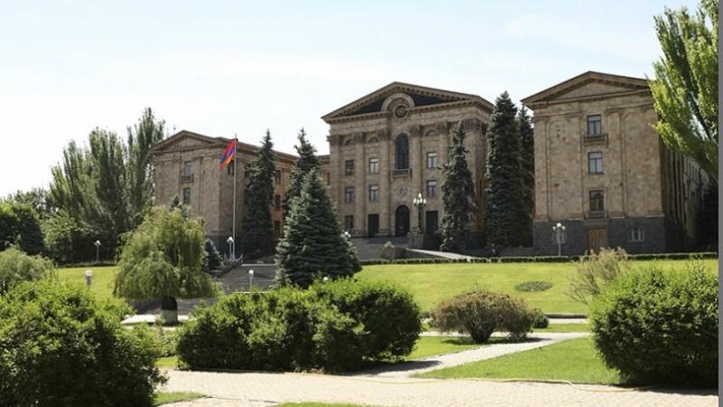 Խորհրդարանական ճեպազրույցներ. ուղիղ