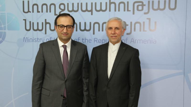 Արսեն Թորոսյանն ու Իրանի դեսպանը քննարկել են նոր կորոնավիրուսով պայմանավորված իրավիճակը