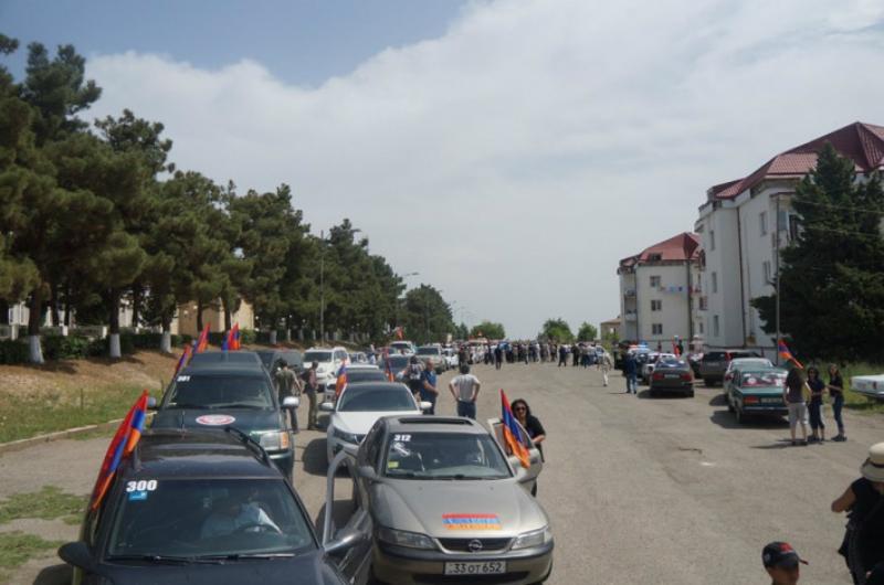 Արցախում ավտոերթ անող «Սասնա ծռերը» հավաք են կազմակերպել Ասկերան քաղաքում