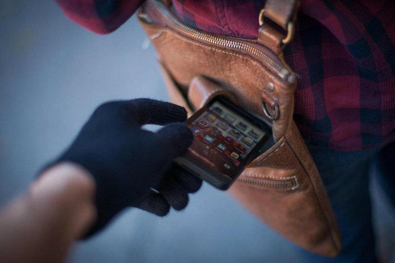 Բջջային հեռախոս գողացած քաղաքացին ներկայացել է ոստիկանություն