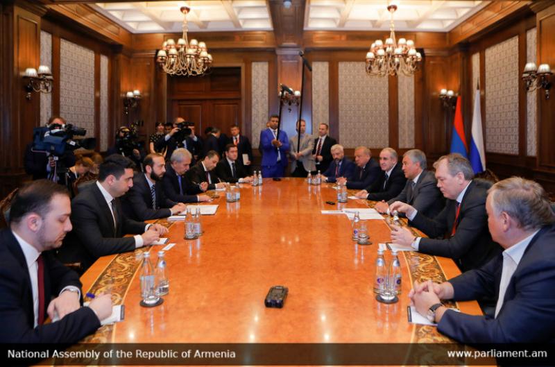 Արարատ Միրզոյանը Վյաչեսլավ Վոլոդինի հետ քննարկել է հայ-ռուսական ռազմավարական գործընկերային հարաբերությունները