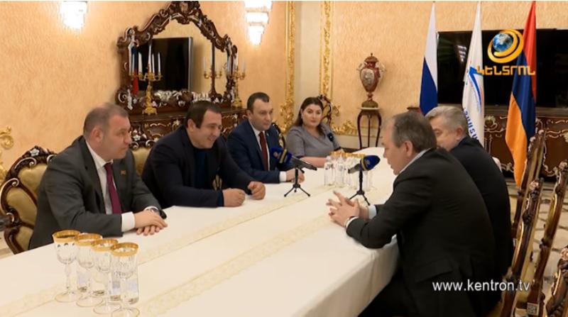 Գագիկ Ծառուկյանն ընդունել է Լեոնիդ Կալաշնիկովին և Վիկտոր Վոդոլացկուն