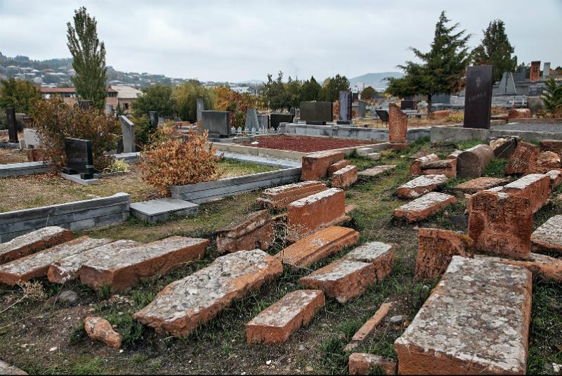 Գյումրու գերեզմանատներում հուղարկավորություն կատարելու համար տարածքներ չկան. «Ժողովուրդ»
