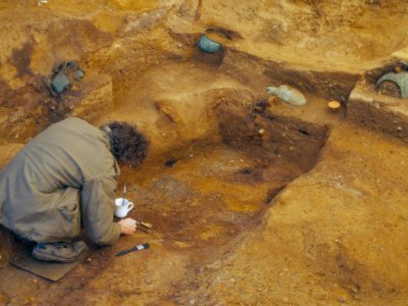 Լոնդոնի արվարձանում հայտնաբերվել է արքայազնի 1400-ամյա դամբարանատեղին
