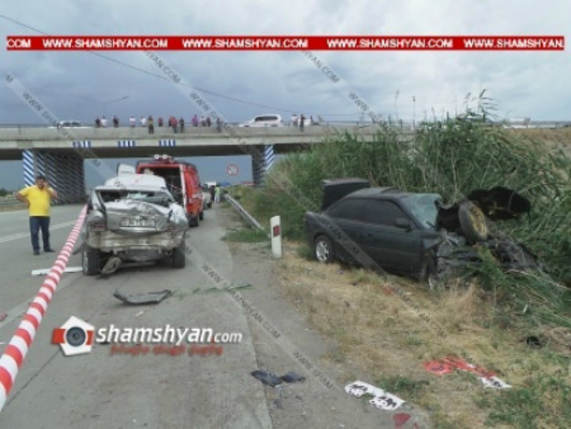 Խոշոր ավտովթարի հետևանքով զոհերի թիվը հասել է 3-ի. ավտոմեքենաներից 2-ը կայանված են եղել. Shamshyan.com