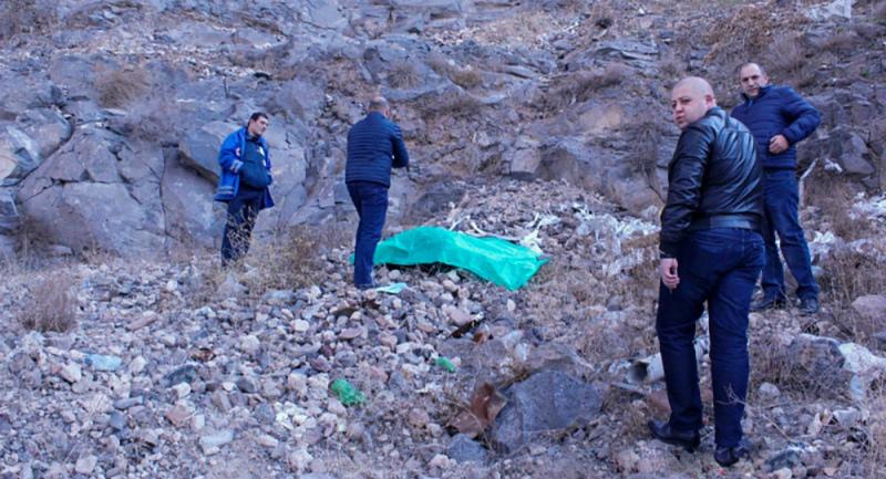 Աշտարակում կամրջի տակ 30-ամյա տղամարդու դի է հայտնաբերվել