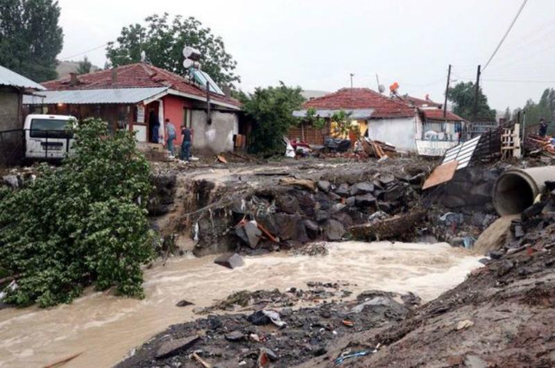 Թուրքիայի Անկարա նահանգում ուժեղ ջրհեղեղներ են, կան զոհեր