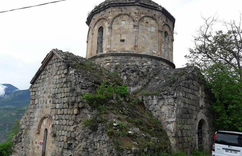 Արդվինի հայկական եկեղեցու կողքին գյուղապետը զուգարանի շինարարություն է նախաձեռնել