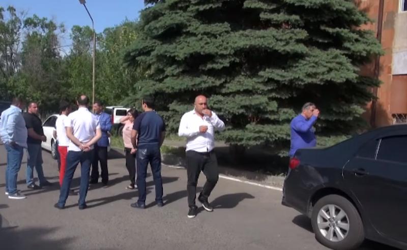 Աբովյանի քաղաքապետի թեկնածու Վահագն Գևորգյանի մի քանի համակիրների բերման են ենթարկել