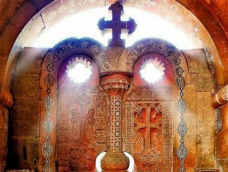 Այսօր Սուրբ խաչի երևման տոնն է