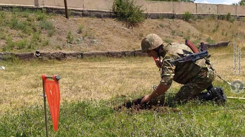 Ինժեներասակրավորային ստորաբաժանումների զինծառայողների հետ անցկացվել են մասնագիտական պարապմունքներ