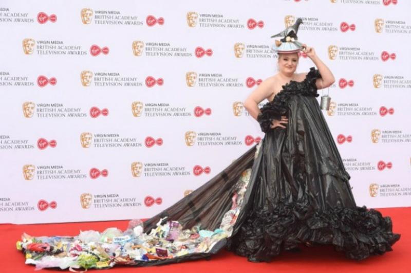 Բրիտանացի դերասանուհին մրցանակաբաշխությանն աղբից պատրաստված հագուստով է ներկայացել