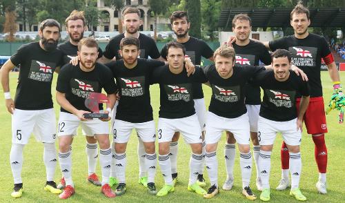 Վրացական ակումբների ֆուտբոլիստները խաղադաշտ են դուրս եկել հակառուսական գրությամբ շապիկներով