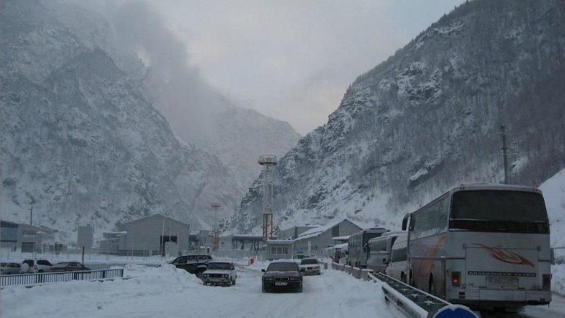 Լարսը բաց է, ռուսական կողմում կուտակված է 400 բեռնատար