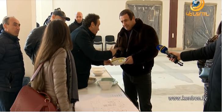 Գագիկ Ծառուկյանի և իտալացի գործարարի՝ սպասքի արտադրության առաջին նմուշները պատրաստ են