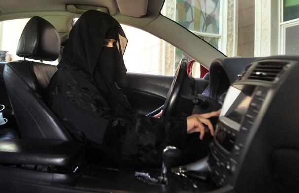 Սաուդյան Արաբիայում կանանց թույլ կտան բեռնատար և մոտոցիկլետ վարել
