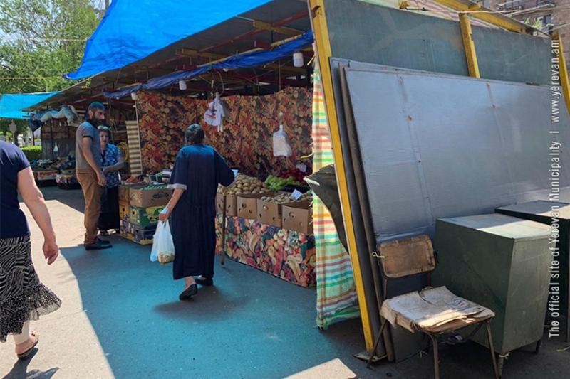 Ապամոնտաժվում են Կոմիտասի պողոտայի շուկայի հարակից առևտրային տաղավարները