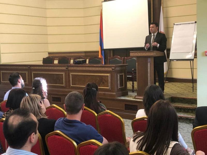 Անդրանիկ Մարգարյան քաղաքական դպրոցում դասախոսություն-հանդիպում ունեցա Հայաստանի առջև ծառացած մարտահրավերները» թեմայով. Էդուարդ Շարմազանով