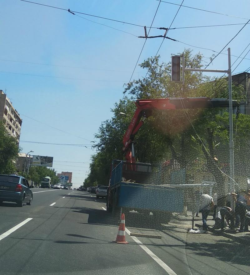 Զեյթունի Ռուբինյանց փողոցը կահավորվում է կարգավորվող լուսացույցով