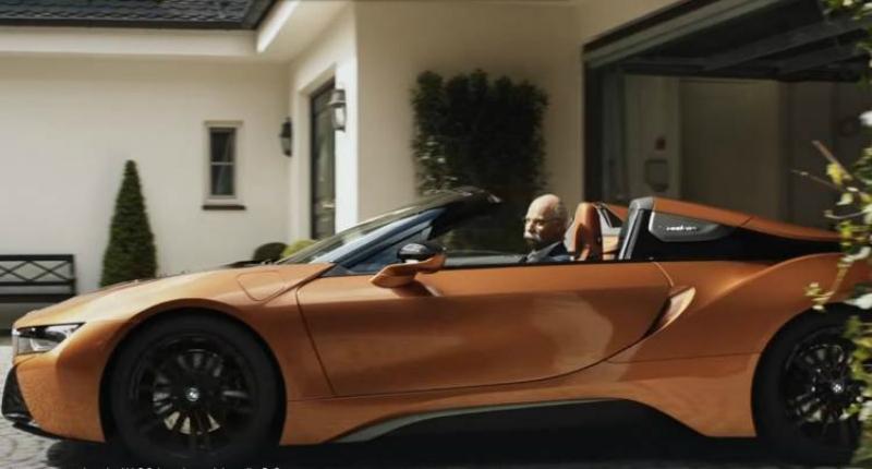 BMW-ի օրիգինալ շնորհավորանքը՝ Mercedes-ի նախկին ղեկավարին թոշակի գնալու կապակցությամբ (տեսանյութ)