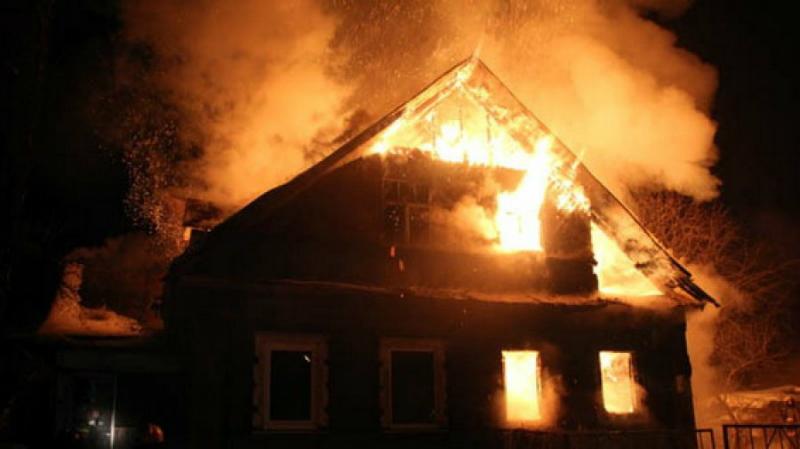 Նոյակերտ գյուղում տուն է այրվում