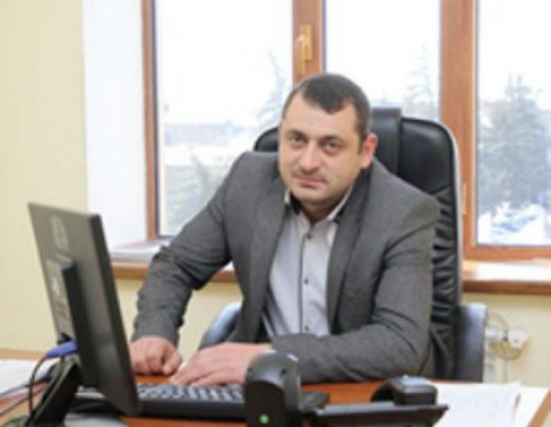 Գյումրու քաղաքապետարանի պաշտոնյան կալանավորվել եւ տեղափոխվել է «Արթիկ» ՔԿՀ