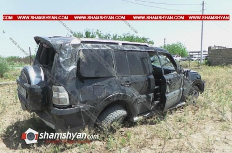 Mitsubishi-ն կողաշրջվել է եւ հայտնվել բնակչի հողամասում․ խոշոր վթար Արմավիրի մարզում