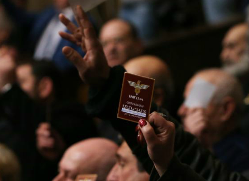 Սպարապետ Վազգեն Սարգսյանի օրոք ԵԿՄ անդամության վկայականներ չեն վաճառվել