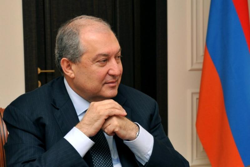 ՀՀ նախագահ Արմեն Սարգսյանը մի շարք օրենքներ է ստորագրել