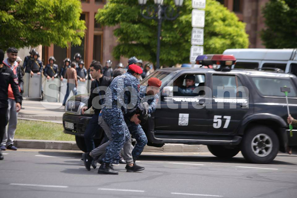 Ցույցերի ժամանակ ոստիկանություն տարված բոլոր քաղաքացիներն ազատության մեջ են. «Հայկական ժամանակ»