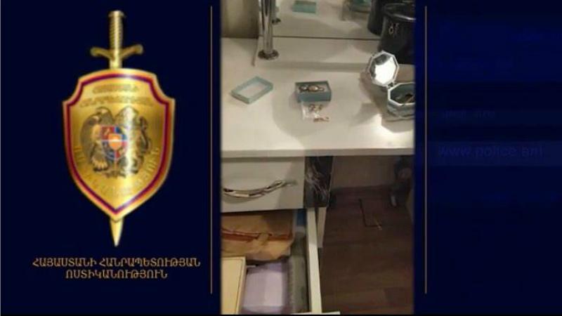 Տնից զարդերը գողացել էր տանտիրուհու որդու ընկերուհին․ Մասիսի ոստիկանների բացահայտումը
