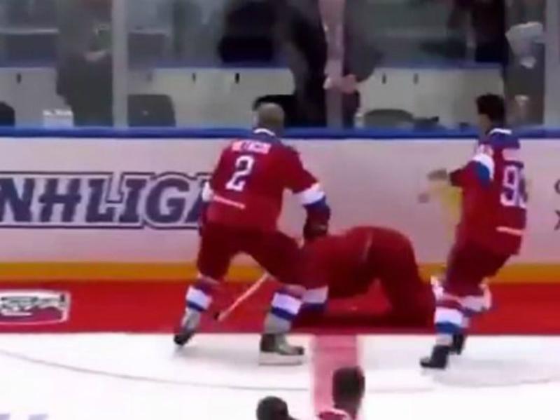Պուտինը հոկեյի խաղի ժամանակ ընկել է սառույցին. տեսանյութ