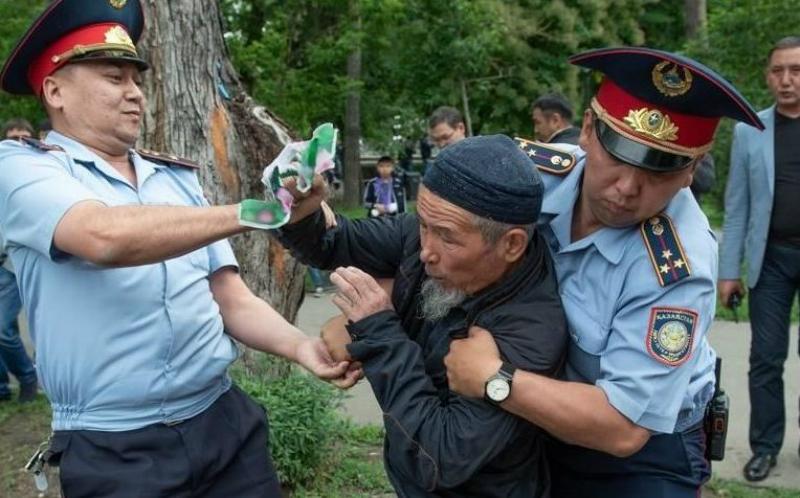 Ղազախստանում ընտրությունների օրը 500 մարդ է ձերբակալվել