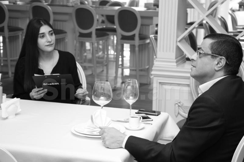 Տարոն Մարգարյանը, բացի իմ քրոջ ամուսինը լինելուց, առաջին հերթին իմ մանկության ընկերն է. նրա զավակներն ինձ քեռի են ասում . Հարցազրույց Ռոբերտ Սարգսյանի հետ