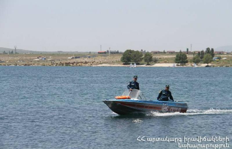 Այսօր Սևանում նավակների կողաշրջման 3 դեպք է գրանցվել․ Փրկարարները քաղաքացիներին դուրս են բերել ափ