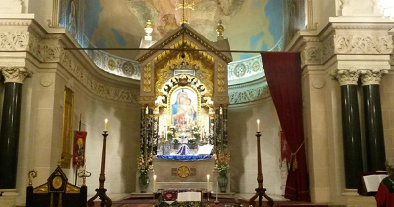 Փարիզի Սուրբ Հովհաննես Մկրտիչ տաճարում  Փաշինյանը մասնակցեց Ազնավուրի հոգեհանգստի կարգին
