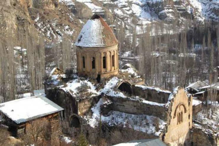 Թուրքիայում հայկական Օշկվանքը վերանորոգվում է որպես վրացական եկեղեցի (լուսանկարներ)